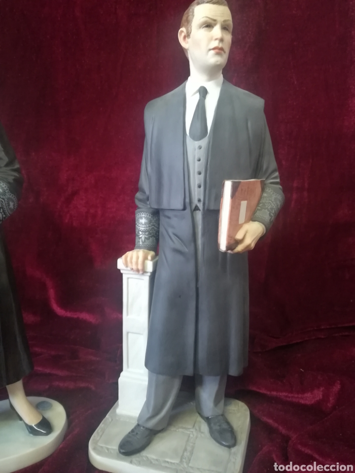 Antigüedades: Pareja figuras porcelana algora juez a y abogado - Foto 4 - 119879918