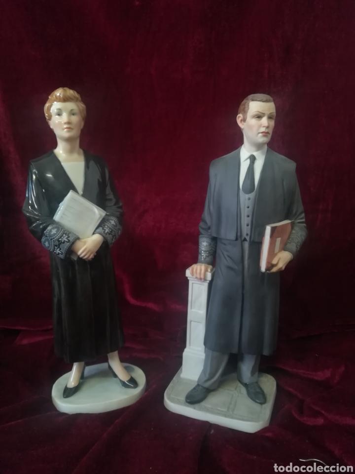 Antigüedades: Pareja figuras porcelana algora juez a y abogado - Foto 8 - 119879918