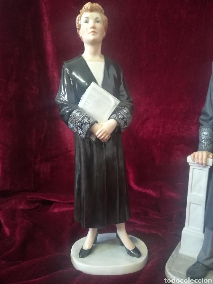 Antigüedades: Pareja figuras porcelana algora juez a y abogado - Foto 10 - 119879918