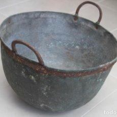 Antigüedades: CALDERA COBRE ASTURIANA ANTIGUA MIRANDA AVILES ASTURIAS ETNOGRAFIA 42 CM. Lote 119969347