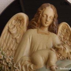 Antigüedades: PLACA DE PARED ÁNGEL CON NIÑO. RELIEVE DE PARED.. Lote 119986859