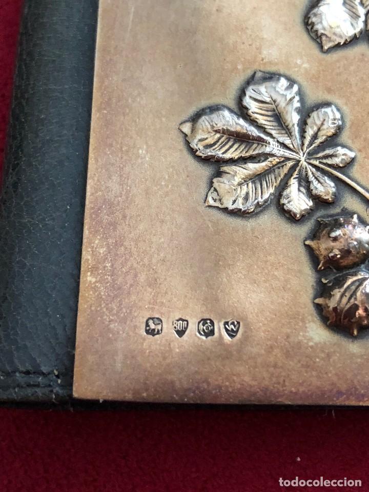 Antigüedades: Cartera de piel y plata punzonada Principios s XX Adorno floral - Foto 2 - 119999267