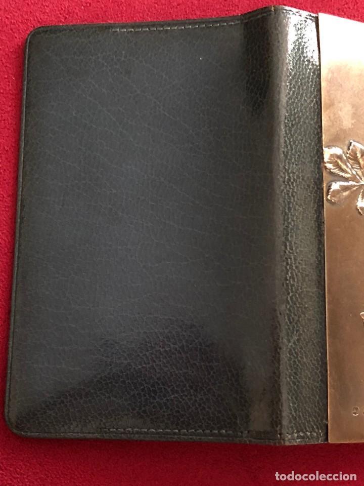 Antigüedades: Cartera de piel y plata punzonada Principios s XX Adorno floral - Foto 6 - 119999267