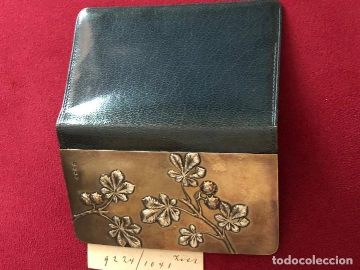 Antigüedades: Cartera de piel y plata punzonada Principios s XX Adorno floral - Foto 7 - 119999267