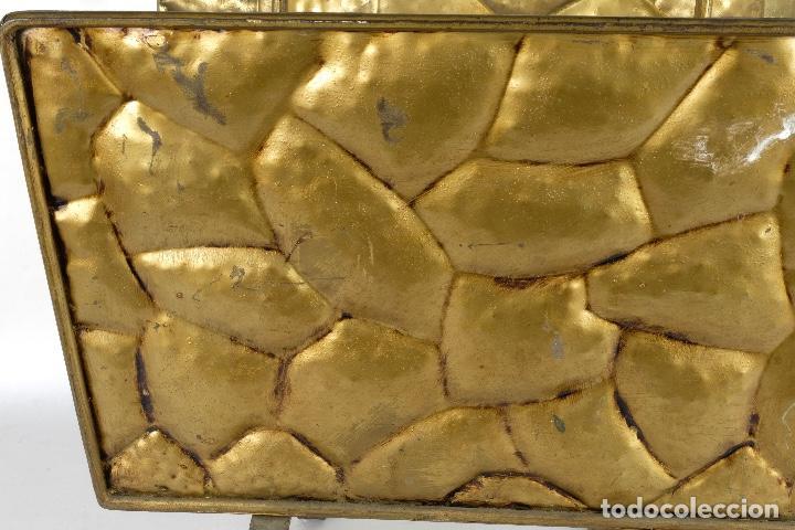 Antigüedades: Revistero vintage en metal dorado años 60-70 - Foto 11 - 120020687