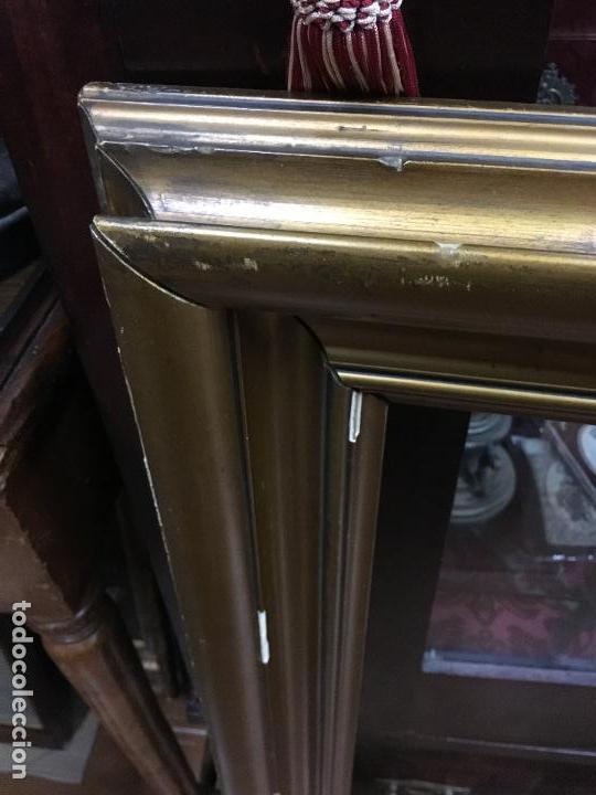 Antigüedades: GRAN MARCO DE MADERA Y DORADO - MEDIDA COMPLETO 88X84 CM Y MEDIDA INTERIOR 71X65 CM - Foto 3 - 120051775
