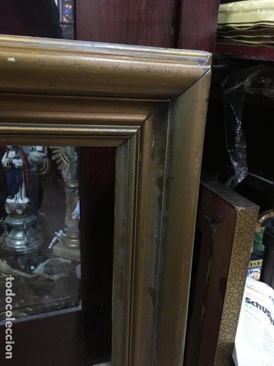Antigüedades: GRAN MARCO DE MADERA Y DORADO - MEDIDA COMPLETO 88X84 CM Y MEDIDA INTERIOR 71X65 CM - Foto 7 - 120051775