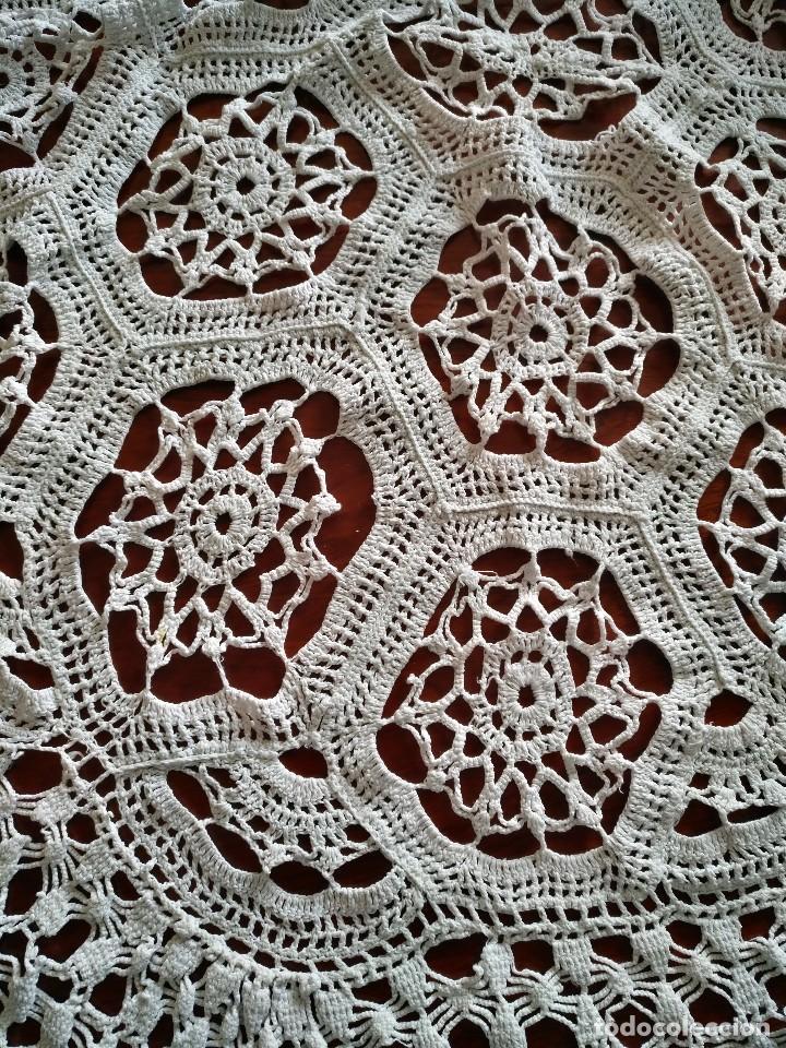 Antigüedades: T 14 Gran tapete / mantel redondo blanco 130cm diámetro - Foto 3 - 120069203