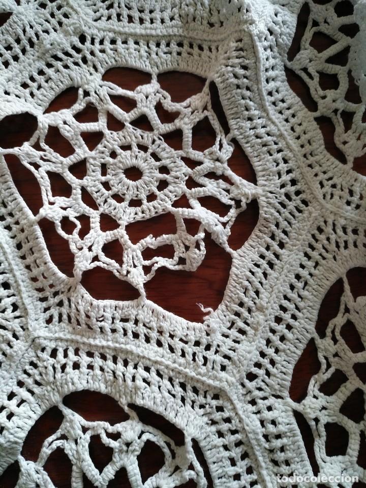 Antigüedades: T 14 Gran tapete / mantel redondo blanco 130cm diámetro - Foto 7 - 120069203