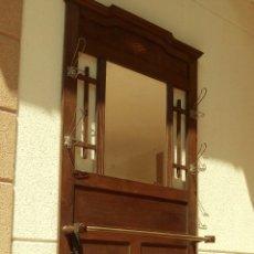 Antigüedades: MUEBLE PERCHERO CON PARAGÜERO.. Lote 120102479