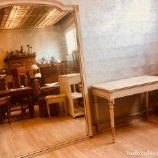 Antigüedades: CONJUNTO DE GRAN ESPEJO Y CONSOLA DE PRINCIPIOS DEL SIGLO XIX. Lote 268459269