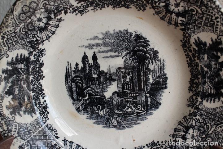 ANTIGUO PLATO HONDO PICKMAN SEVILLA SERIE VISTAS SELLO ANTIGUO SIN NÚMERO 23,5 CM X 4,2 ALTURA (Antigüedades - Porcelanas y Cerámicas - La Cartuja Pickman)