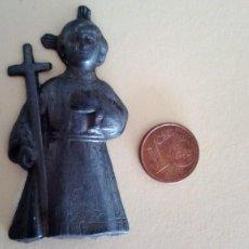 Antigüedades: FIGURA DE NIÑO JESÚS ANTIGUA, PARECE DE PLOMO. Lote 120156011
