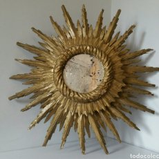 Antigüedades: ANTIGUO ESPEJO SOL MADERA ESTUCADO RAYOS DOBLES 64 CM. Lote 120197902
