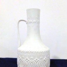 Antigüedades: JARRA FLORERO DE PORCELANA AK KAISER. Lote 120212751