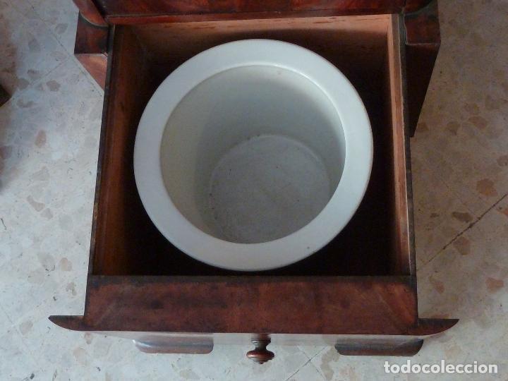 Antigüedades: DOMPEDRO O ORINAL ISABELINO - PEQUEÑO ARMARIO CON COMPARTIMENTOS Y REPOSA BRAZOS - Foto 8 - 120234663