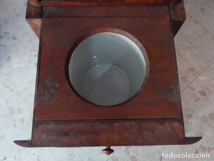 Antigüedades: DOMPEDRO O ORINAL ISABELINO - PEQUEÑO ARMARIO CON COMPARTIMENTOS Y REPOSA BRAZOS - Foto 9 - 120234663
