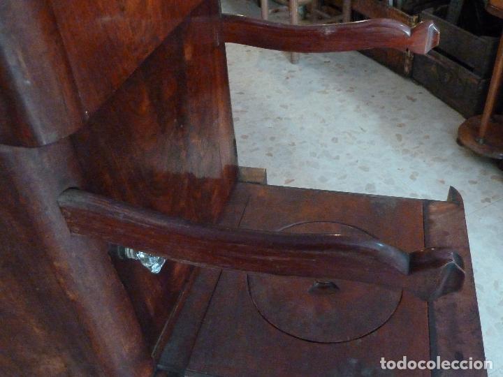 Antigüedades: DOMPEDRO O ORINAL ISABELINO - PEQUEÑO ARMARIO CON COMPARTIMENTOS Y REPOSA BRAZOS - Foto 12 - 120234663
