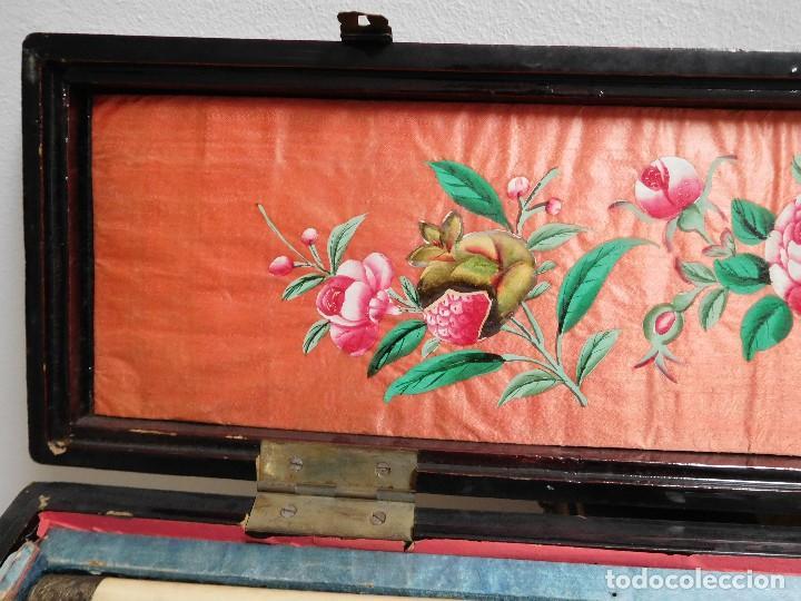 Antigüedades: Bastón de marfil antiguo con su caja lacada original finales de siglo XIX - Foto 2 - 120236743