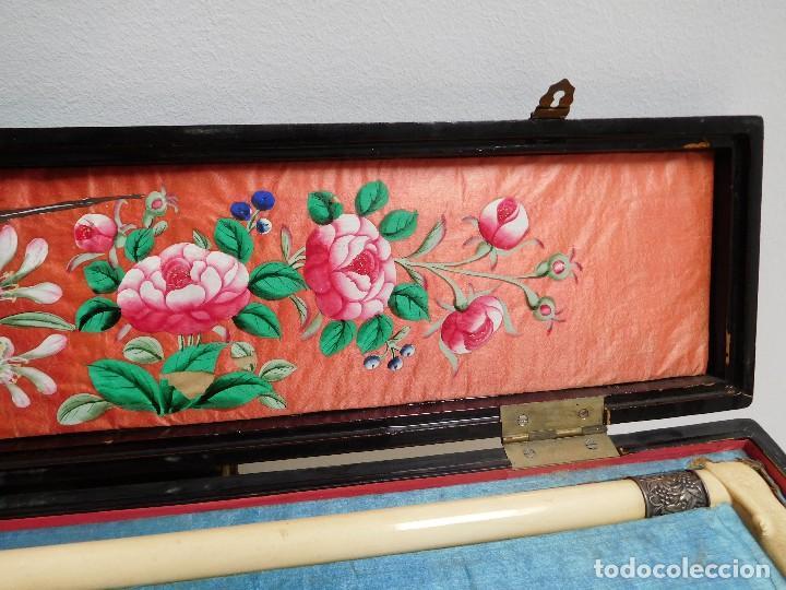 Antigüedades: Bastón de marfil antiguo con su caja lacada original finales de siglo XIX - Foto 6 - 120236743
