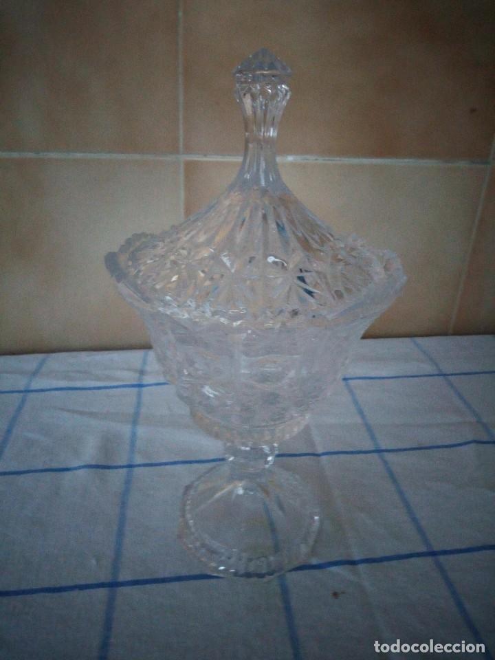 BOMBONERA DE CRISTAL DE BOHEMIA TALLADO, REPÚBLICA CHECA (Antigüedades - Cristal y Vidrio - Bohemia)
