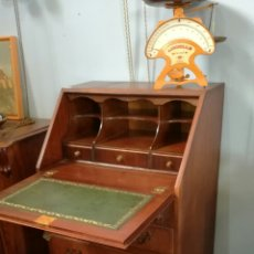 Antigüedades: ESCRITORIO DE MADERA MUY BONITO. Lote 120318844
