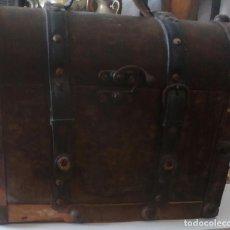 Antigüedades: BAUL DE MADERA Y PIEL. Lote 120425999