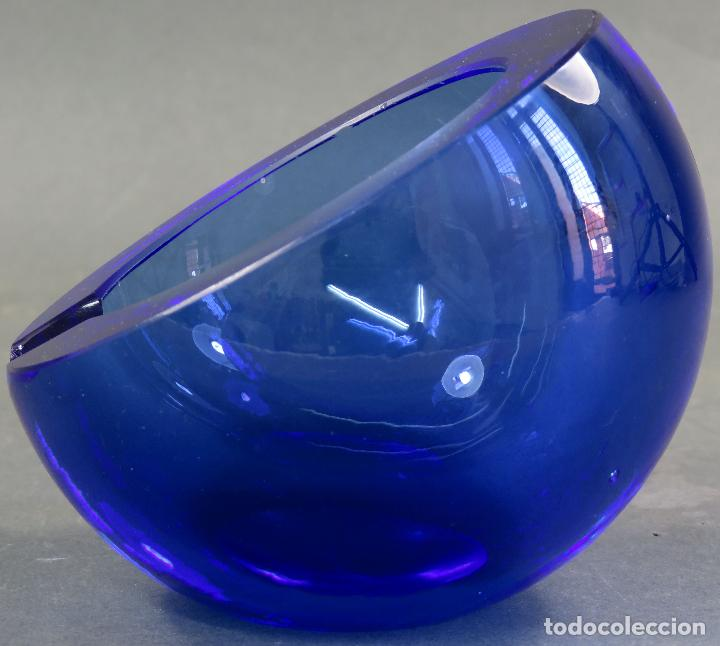 Antigüedades: Cenicero de cristal prensado Murano azul años 60 - Foto 2 - 120434391