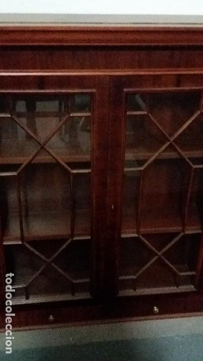 Antigüedades: Preciosa vitrina madera nogal - Foto 3 - 110569691