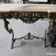 Antigüedades: CONSOLA DE ENTRADA DE BRONCE CON TAPA DE MARMOL. Lote 120466083
