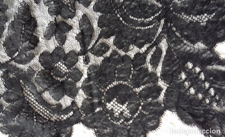 Antigüedades: Antigua mantilla de encaje negro - Foto 5 - 139188184