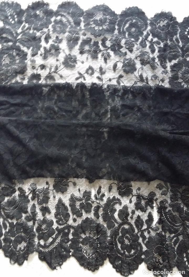 Antigüedades: Antigua mantilla de encaje negro - Foto 7 - 139188184