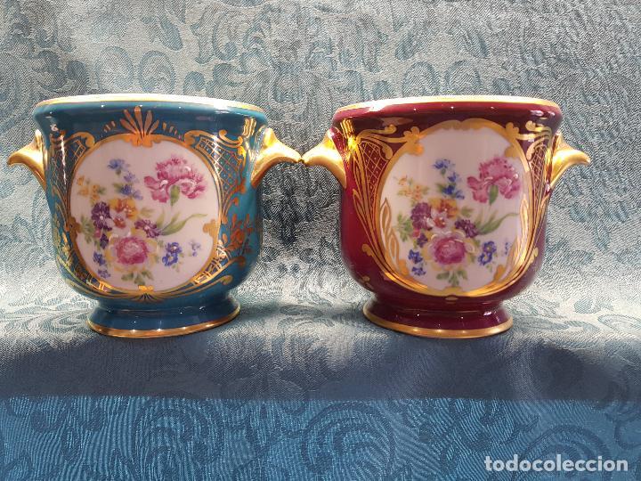 PAREJA MACETEROS LIMOGES (Antigüedades - Porcelana y Cerámica - Francesa - Limoges)