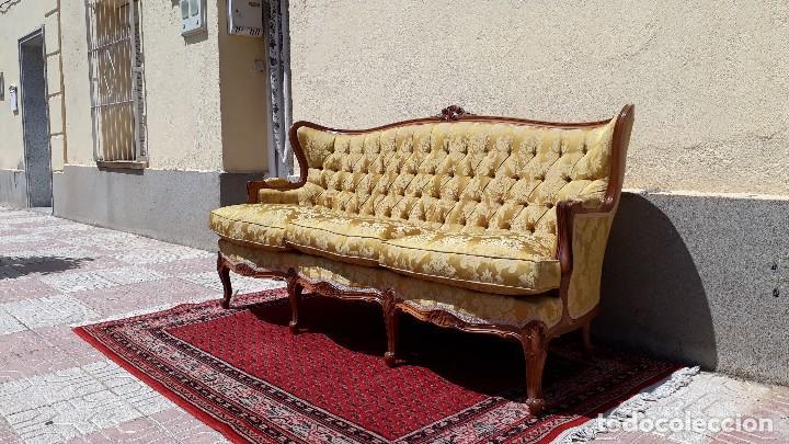 Antigüedades: Sofá antiguo estilo isabelino. Sofá antiguo capitoné tapizado amarillo. Sofá estilo Luis XV. - Foto 2 - 120522907