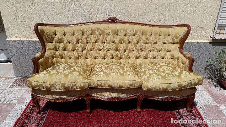 Antigüedades: Sofá antiguo estilo isabelino. Sofá antiguo capitoné tapizado amarillo. Sofá estilo Luis XV. - Foto 4 - 120522907
