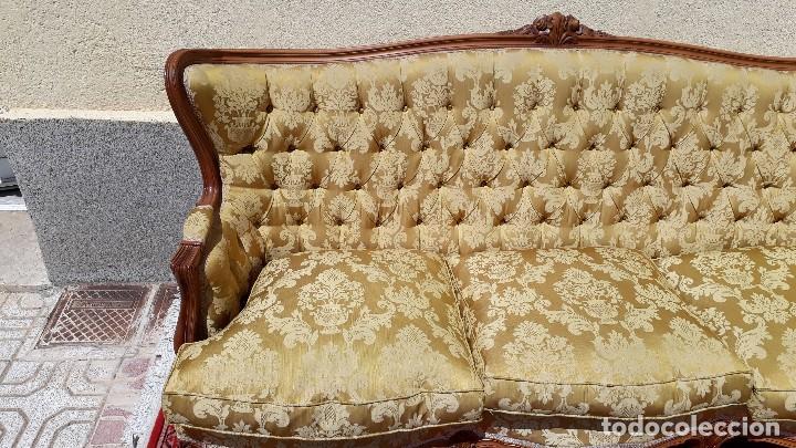 Antigüedades: Sofá antiguo estilo isabelino. Sofá antiguo capitoné tapizado amarillo. Sofá estilo Luis XV. - Foto 6 - 120522907