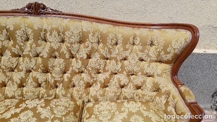 Antigüedades: Sofá antiguo estilo isabelino. Sofá antiguo capitoné tapizado amarillo. Sofá estilo Luis XV. - Foto 8 - 120522907