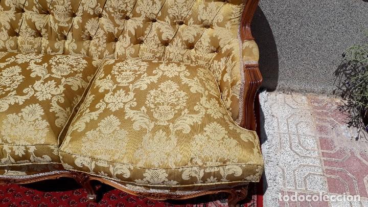 Antigüedades: Sofá antiguo estilo isabelino. Sofá antiguo capitoné tapizado amarillo. Sofá estilo Luis XV. - Foto 14 - 120522907