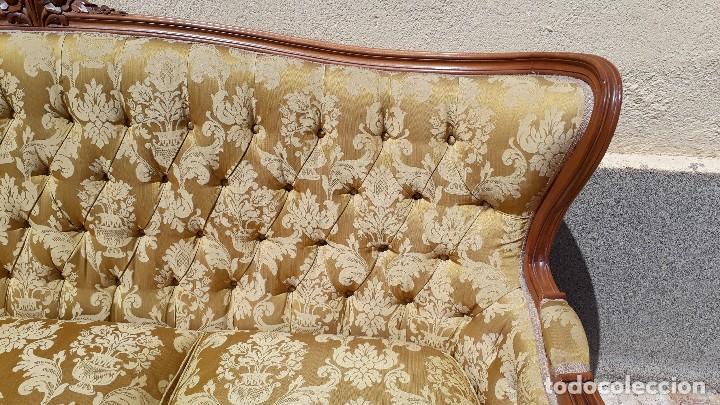 Antigüedades: Sofá antiguo estilo isabelino. Sofá antiguo capitoné tapizado amarillo. Sofá estilo Luis XV. - Foto 15 - 120522907