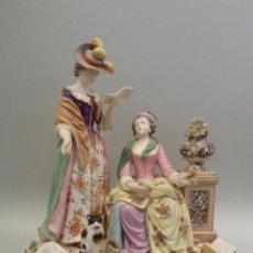 Antigüedades: IMPORTANTE FIGURA EN PORCELANA DE MANUFACTURA ALEMANA TIPO MEISSEN. Lote 120526055