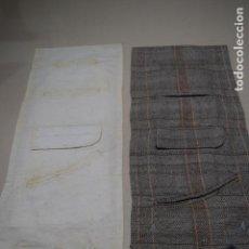 Antiques - dos muestrarios de bolsillos y bordados - 120578727