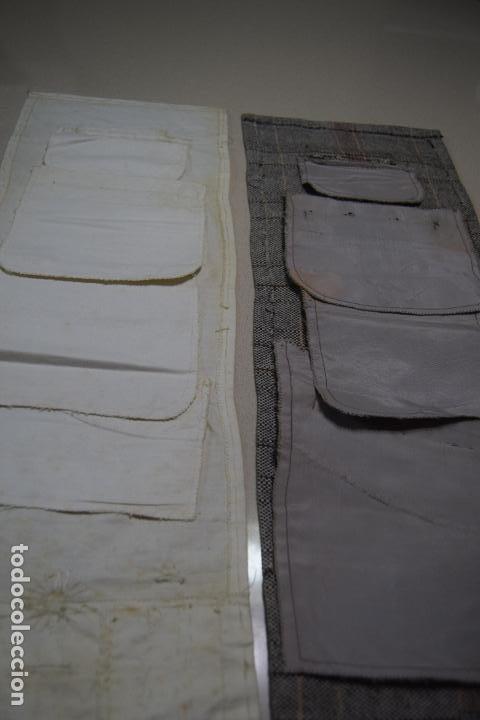 Antigüedades: dos muestrarios de bolsillos y bordados - Foto 5 - 120578727