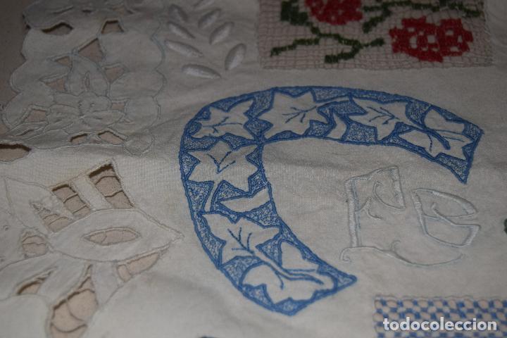 Antigüedades: lote de seis dechados o muestrario de bordados y vainicas - Foto 6 - 120579087