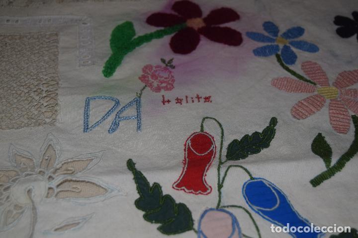 Antigüedades: lote de seis dechados o muestrario de bordados y vainicas - Foto 7 - 120579087