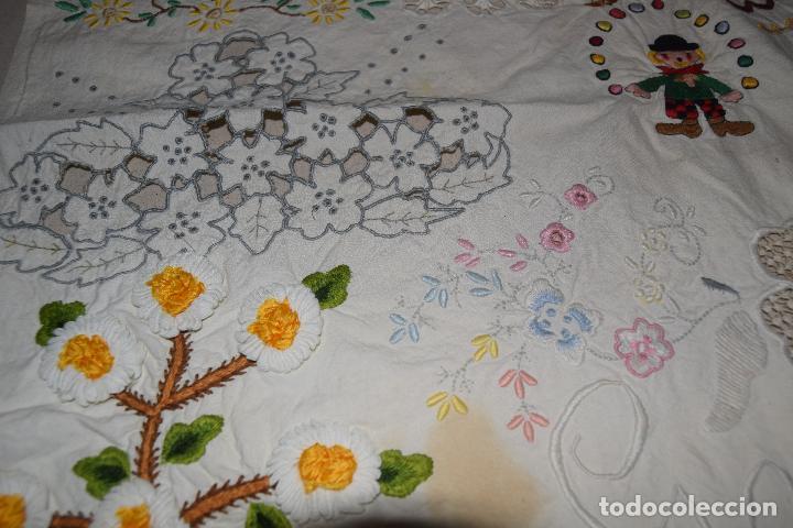 Antigüedades: lote de seis dechados o muestrario de bordados y vainicas - Foto 14 - 120579087