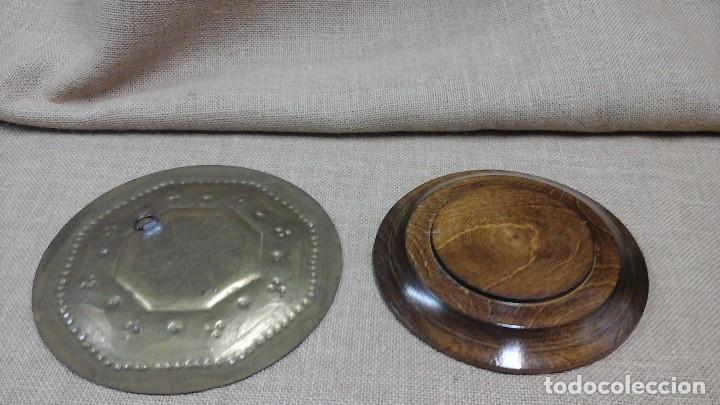 Antigüedades: Pareja de platos para decoración. Actuales - Foto 2 - 120700735