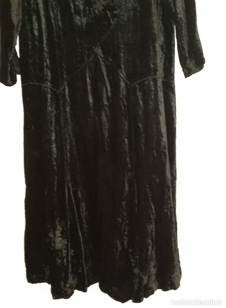 Antigüedades: Antiguo vestido de terciopelo Art Deco - americano - Foto 6 - 120767999