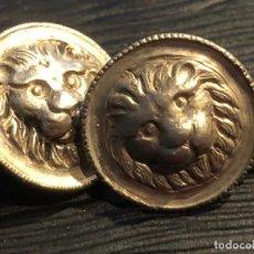 Antigüedades: GEMELOS BOTONES PLATA DISCOS LEON ROSTRO CABEZA S XVIII XIX 14MM DIAMETRO. Lote 120847147