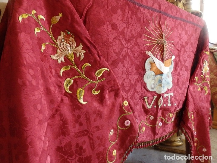 Antigüedades: Orden Franciscana. Frente de altar en seda, hilo de oro y pedrería. 216 x 64 cm. Hac 1900 - Foto 5 - 120857695