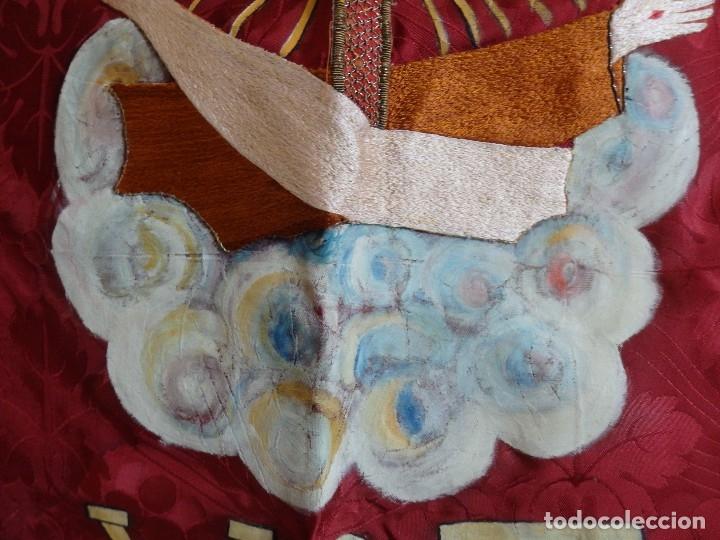 Antigüedades: Orden Franciscana. Frente de altar en seda, hilo de oro y pedrería. 216 x 64 cm. Hac 1900 - Foto 8 - 120857695